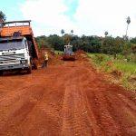 Mantenimiento de caminos en San Jorge e Itaipu Porá.
