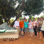 Entrega de incubadora para familias de Itaipyte