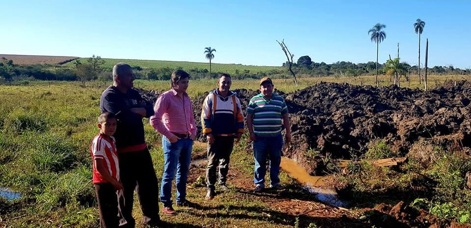 Construcción de estanques para personas de escasos recursos
