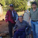 Entrega de SILLAS DE RUEDAS a personas de escasos recursos y con discapacidad fisica