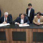 Firma de convenio entre las Municipalidades, Ministerio de Obras públicas y Gobernación del Alto Paraná.