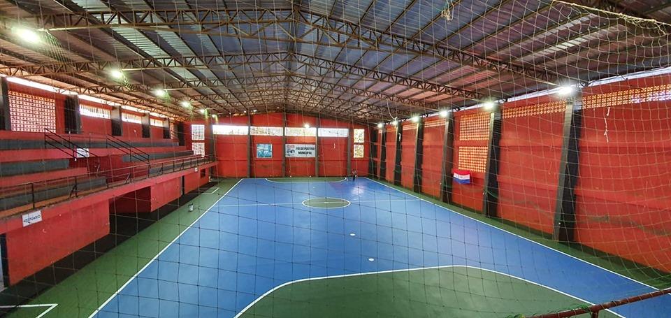 Mantenimiento del Polideportivo Municipal de San Alberto.